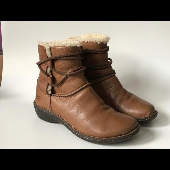 4fcb3c8e3da Ugg Australia 1932 CASPIA Lace Up Leather Boots 6